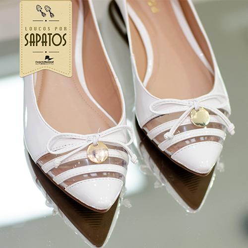 78e055e03c294 Como você bem sabe, amamos sapatos! Veja só o achadinho da Ávida de hoje  a  sapatilha branca tem detalhes em transparência. Super trend!