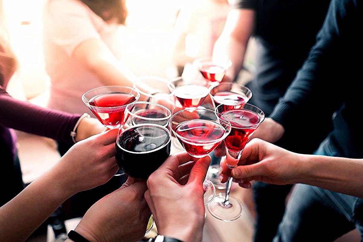Netto Verlost Einen El Fuego Edelstahl Gasgrill Deluxe Und Insgesamt 50 Einkaufsgutscheine Von Netto Im In 2020 Party Drinks Alcohol Alcoholic Drinks Free Stock Photos