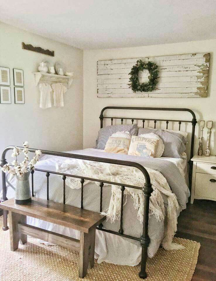 Love The Bench At Foot Of Bed Farmhouse Bedroom Decor Bedroom