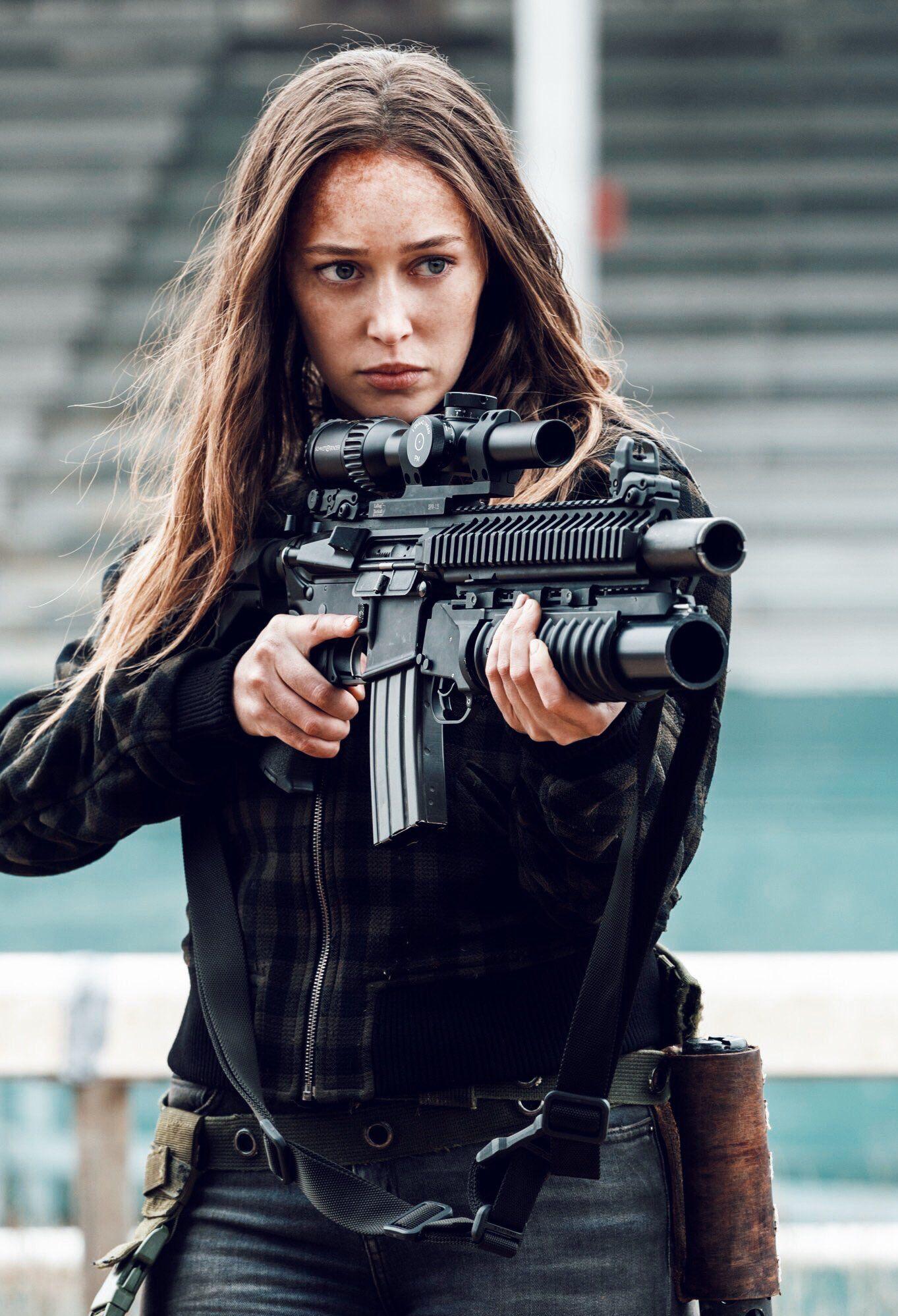 Alicia Clark Military Girl Fear The Walking The Walking Dead