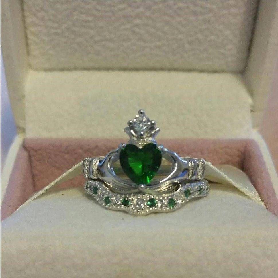15 Beste Sammlung Von Claddagh Ringe Engagement Sets Trauringe Celticweddingringsemeralddi Claddagh Ring Wedding Celtic Engagement Rings Celtic Wedding Rings