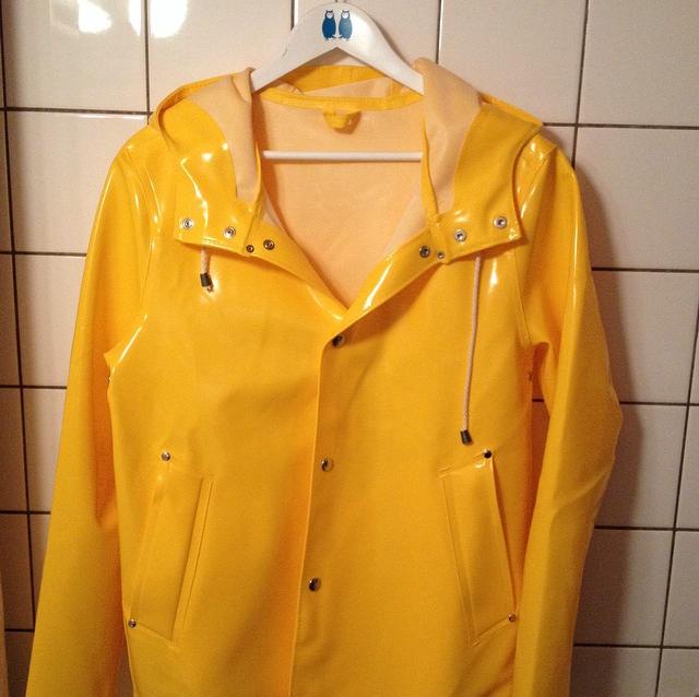 Yellow Raincoat Yellow Raincoat Coraline Jones The Mysterious Benedict Society