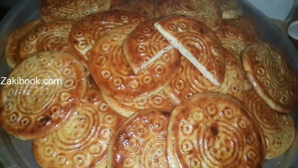 أنجح طريقة لعمل أقراص العيد على أصولها زاكي Food Sweet Pastries Best Dishes