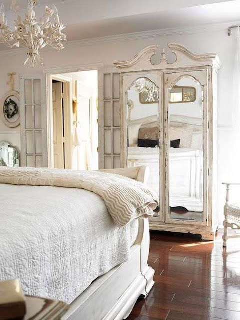 Delicieux A Vintage Armoire Adds Cottage Style To This All White Bedrooms. Tips On  Decorating With White: House Design Interior Design Bedrooms De Casas