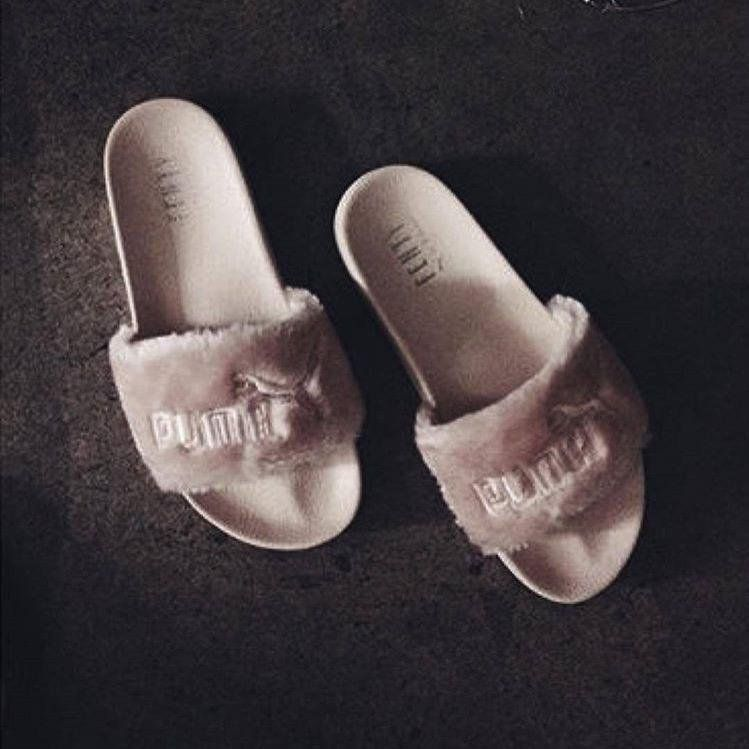 Rihanna s Puma slippers  35add32e2