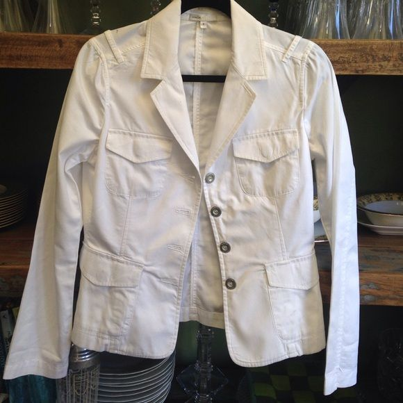 Vince blazer 100%cotton 1 small stain show Vince blazer 100%cotton 1 small stain show Vince Jackets & Coats