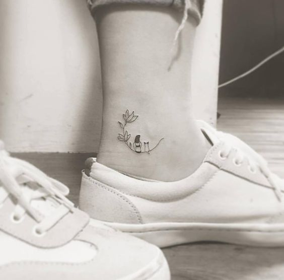 40 Small Elegant Ankle Tattoos For Women To Be Inspired Ankle Tattoos Tiny Tattoos Small Tattoos Foo Stylish Tattoo Elegant Tattoos Ankle Tattoos For Women