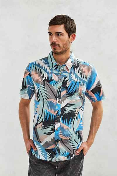 51aaa3d8a8 Vans Cosgrove Canton Stanton Floral Short-Sleeve Button-Down Shirt - Urban  Outfitters