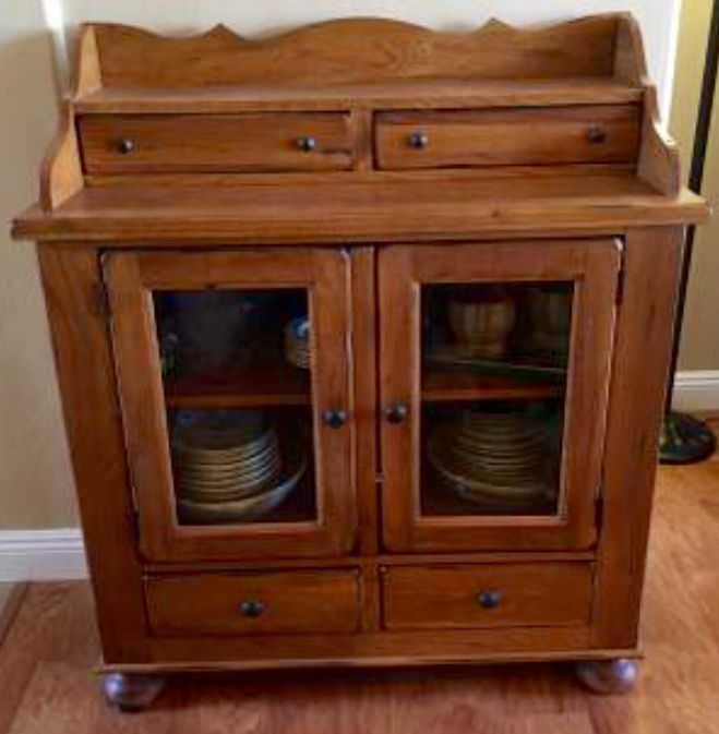 Broyhill Attic Heirlooms Dining Chest In Oak Stain Broyhill Furniture Oak Stain Broyhill