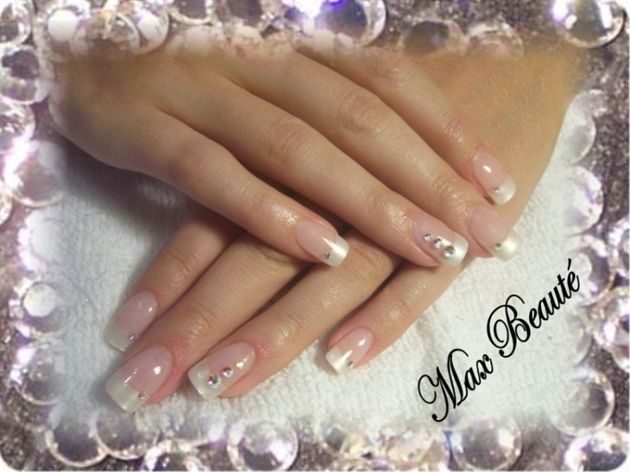 American Pearl Mani With Rhinestone Accent Nails Pearl