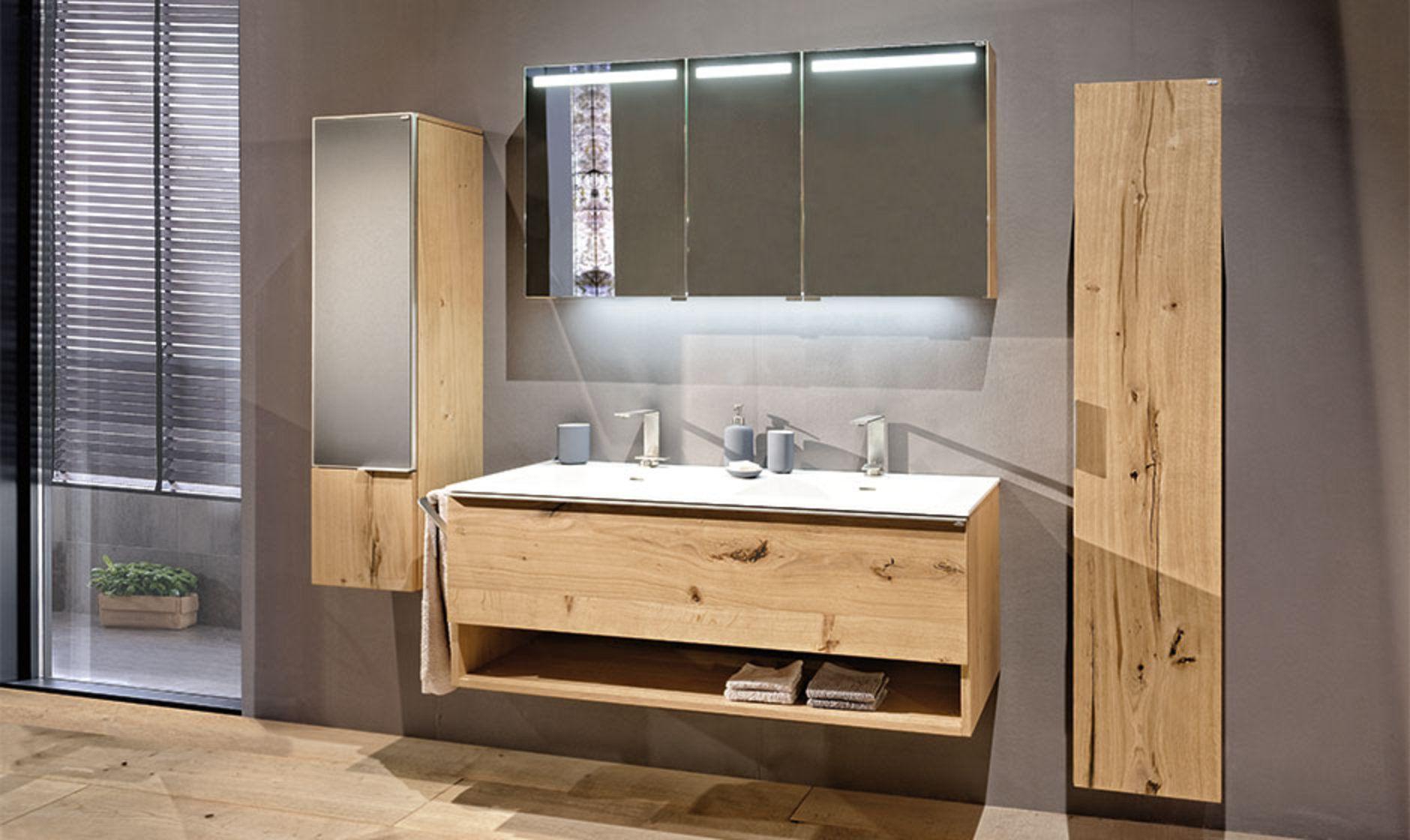 V Alpin Badezimmermobel Von Voglauer Badspiegelschrank Badezimmer Schminktisch