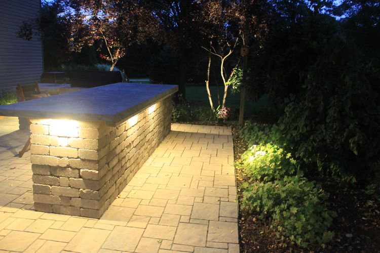 Beautiful Pittsburgh LED Lighting Under Outdoor Bar (750×