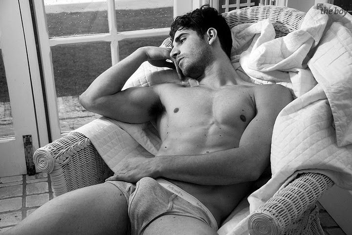 from Axl gay homens nus