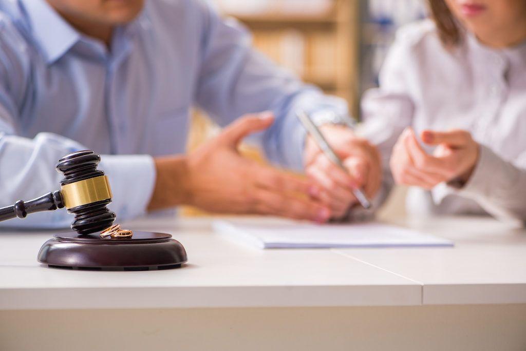 Gilbert az divorce attorney for men with extensive