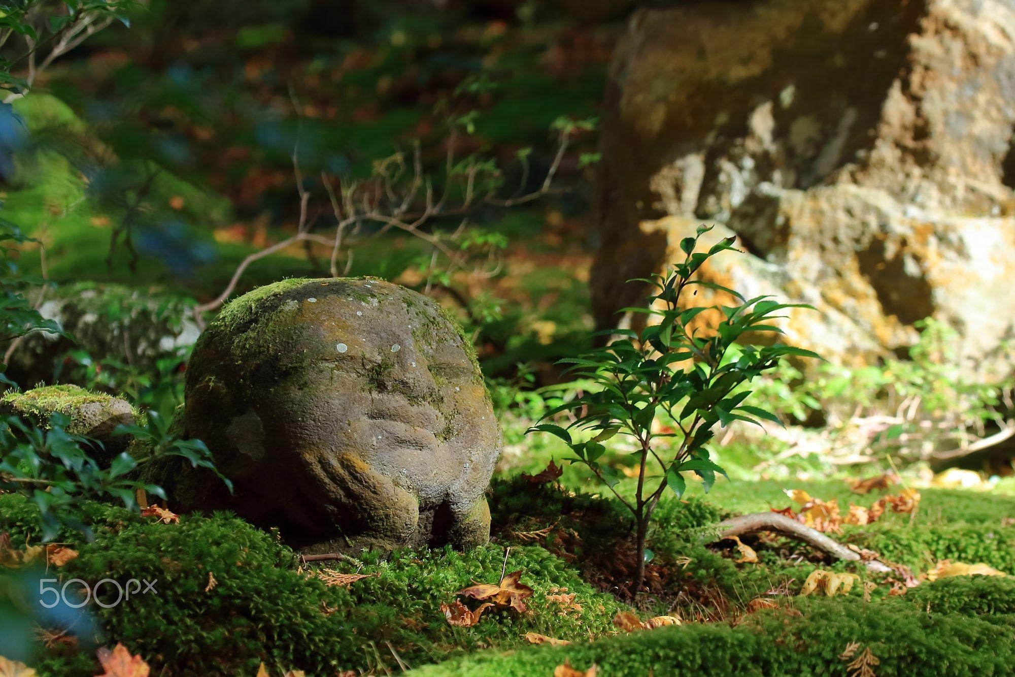 the Japanese stone Buddhas warabe jizou  Travel photo by Ganchan http://rarme.com/?F9gZi