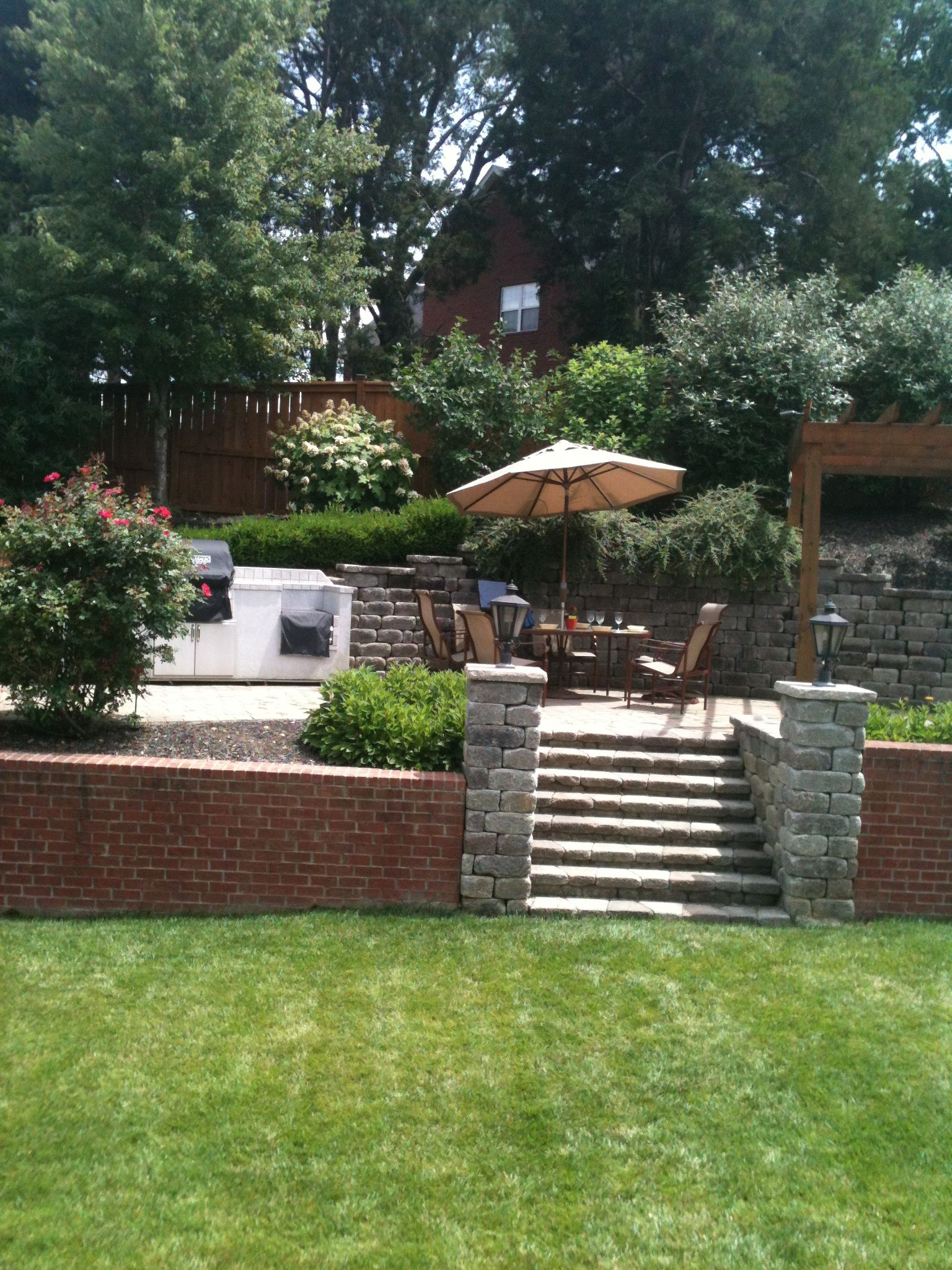 This is a great idea for a sloped backyard | Small ... on Decking Ideas For Sloping Garden id=65690
