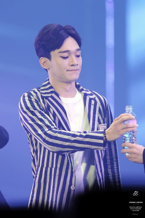 "'KNOCK KNOCK!' on Twitter: ""[HQ] 151025 CHEN cr.체리체니 https://t.co/cX9cltRaFY https://t.co/HCc4T5ESsN https://t.co/ToxKoZ05c4"""