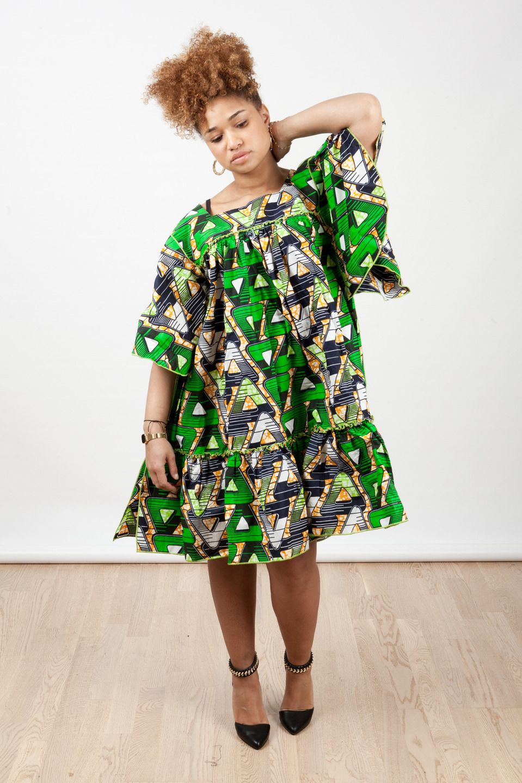 robe courte kaba encolure carr e en wax pagne africain. Black Bedroom Furniture Sets. Home Design Ideas