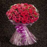 Bunches Of Red Roses Send To Canada