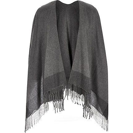 Grey tassel scarf cape 47,00 €