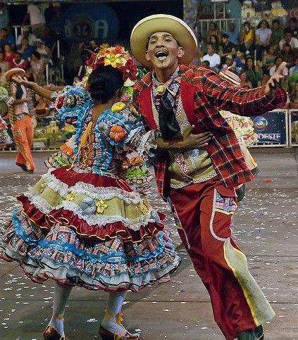 b954d02756b6a São João - Trajes típicos para quadrilhas e festas juninas ...