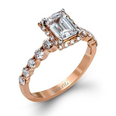 Make that a green center stone and it's gorgeous!