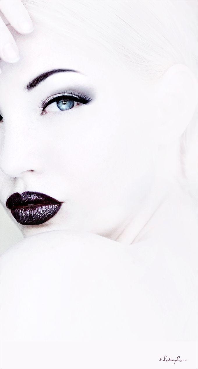 TH Taylor, Photographer  SaraLiz, Model