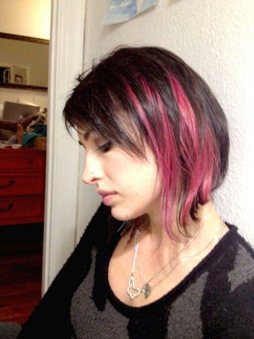 Edgy Hair With Pink Streaks Hair Ideas Pinterest Pink Streaks