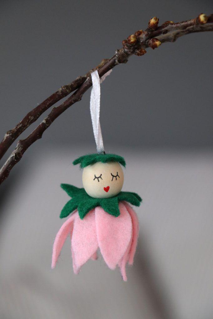 Idée DIY: Fleuriste en feutre en perles de bois – Blog Lavande   – Oster-Deko