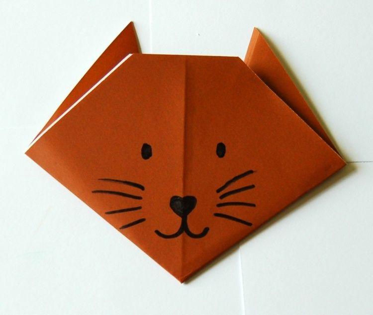 Origami Tiere basteln - Ein Katzengesicht aufmalen