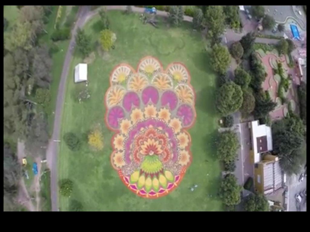 Mosaico de flores tradici n mexicana hacer alfombras con Alfombras persas en mexico