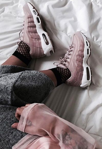 43ba24df87 #AsSeenOnMe blogger wearing Nike Airmax 95 trainers with fishnet socks |  ASOS Fashion & Beauty Feed
