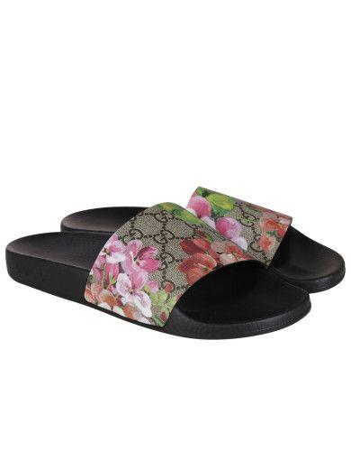 6d1fbc468ea GUCCI Gucci Gg Supreme Feline Sliders.  gucci  shoes  gucci-gg -supreme-feline-sliders
