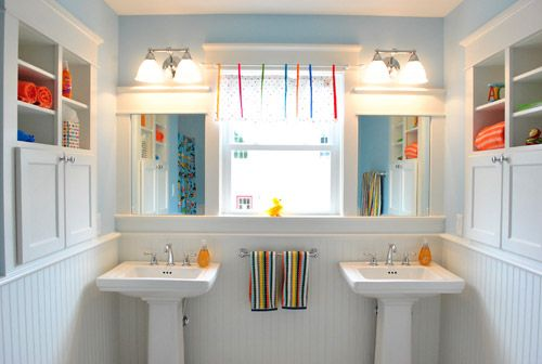 Recessed shelves in the bathroom