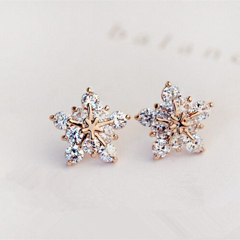 Ling Star Earrings Maybe Snowflakes If Only It Was Done In White Gold Or Silver