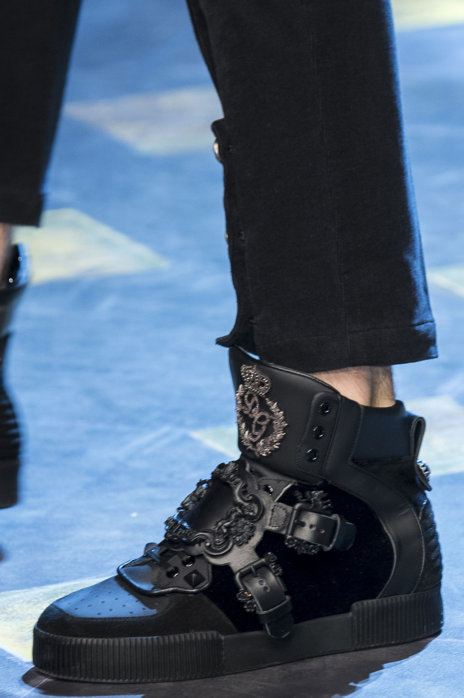 b2e890198 Dolce & Gabbana | Menswear Accessories | Fashion, Mens fashion, Men ...
