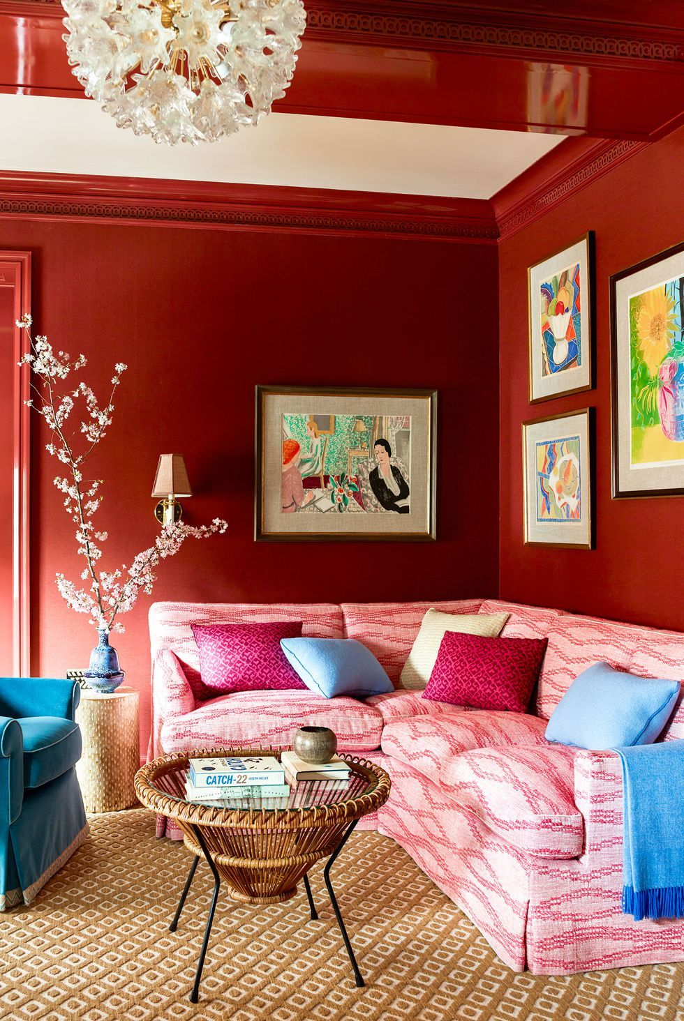 17 Styling Tricks That Will Make Your Living Room Feel Way Bi