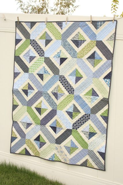 Diary of a Quilter - a quilt blog: Navy and Green Crib Quilt + pattern