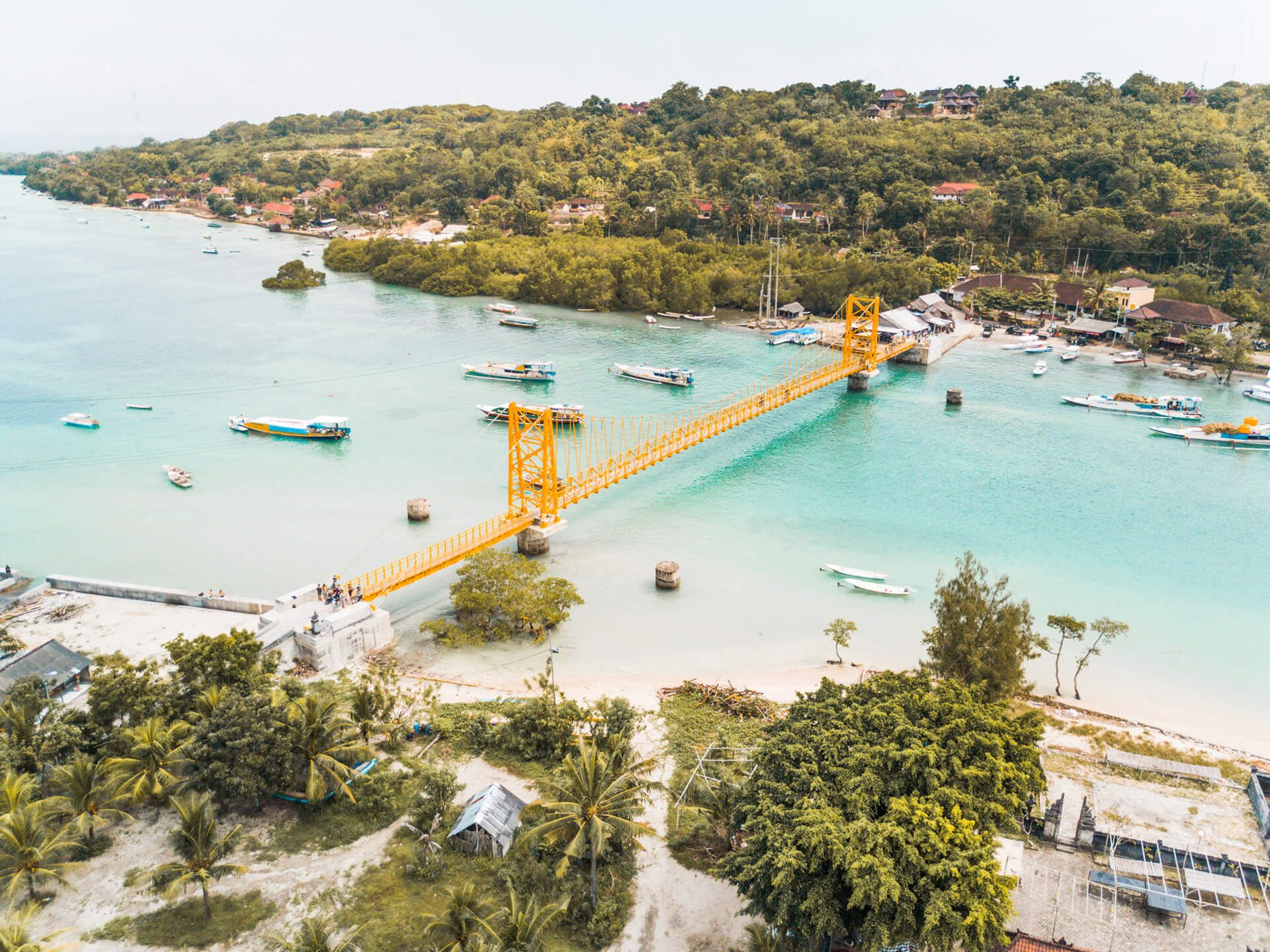Nusa Lembongan should be one one of your highlights when visiting Bali. Our complete Nusa Lembongan guide, including to do's and recommendations.