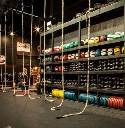 Rubber flooring is a good choice for gym rubber flooring in