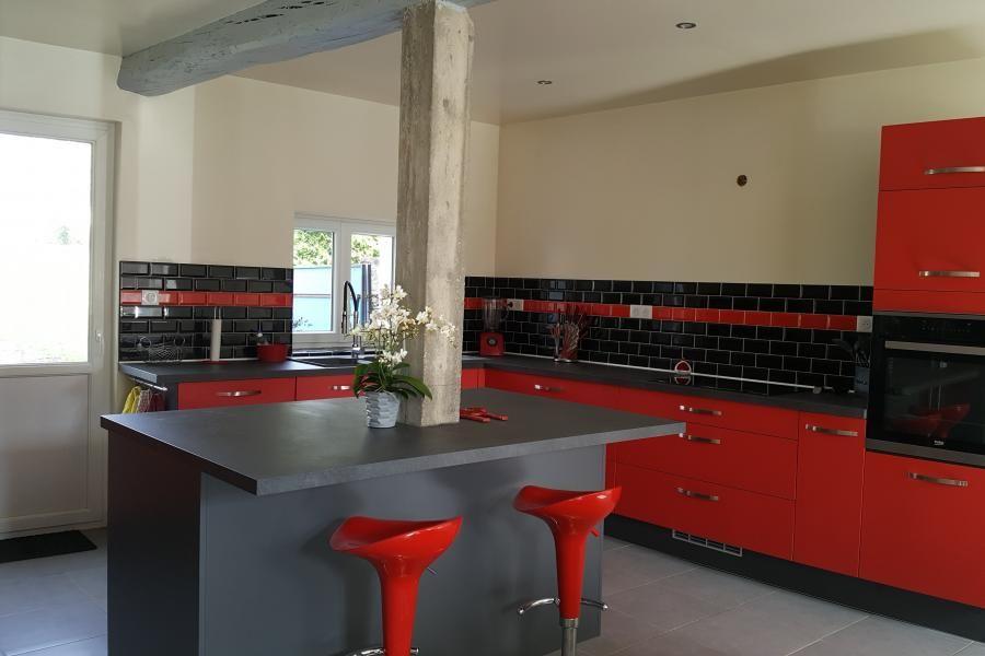 Cuisine client} Cuisine rouge et gris avec îlot central qui s\u0027adapte - Photo Cuisine Rouge Et Grise
