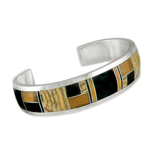 P 119 Native Earth - Designs using the Native Earth stone combination features Sierra Nevada black jade, jasper and tiger eye to produce these stunning, desert at night, earth tones.