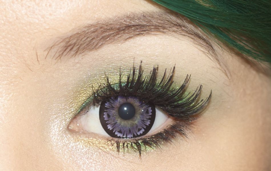 Love the eyeshadow and the circle lens from @Jennifer Hayslip's