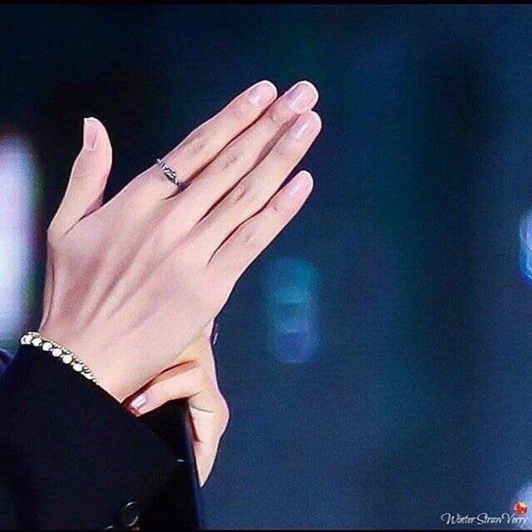 Taehyung Hands Hand Veins Hands Beautiful Hands