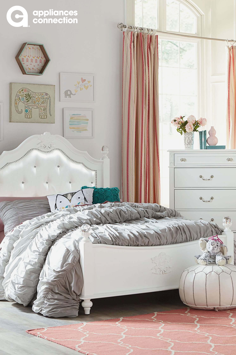 Coral Teal Silver And White Girls Room With Elephants Such A Cute Bedroom Design Tufted P White Bedroom Set Standard Furniture White Bedroom Set Furniture