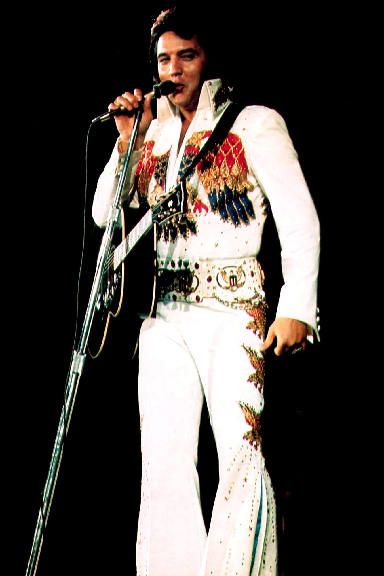 d5c6ad22350 ELVIS ON STAGE IN THE AMERICAN EAGLE JUMPSUIT IN 1974