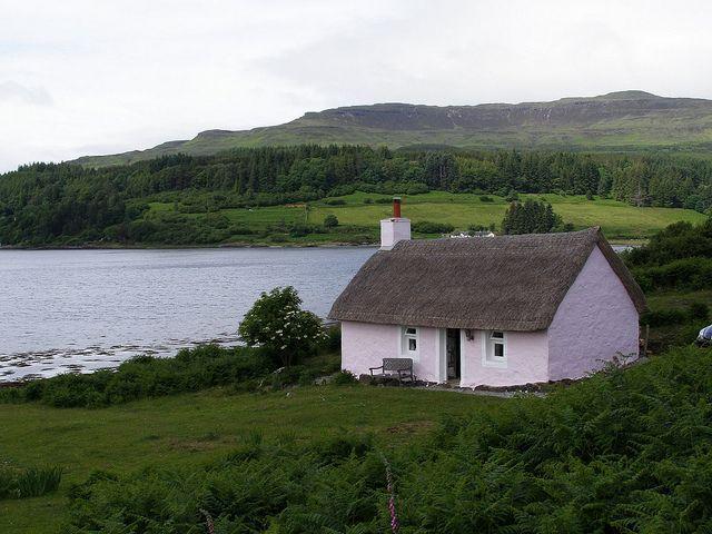 Fisherman S Bothy Kilfinichen Irish Cottage Bothy Cottages By The Sea