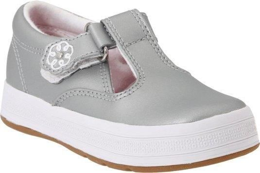 Keds Daphne T-Strap Sneaker (Toddler/Little Kid),Silver,4 M US Toddler  https://in.kato.im/39bb998ef6258953872e24b7f580a6619cbca67d1e7609792113491e2d40952e/B002LASLOO.html