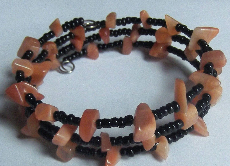 Stone chip beaded memory wire bracelet | Memory wire bracelets ...