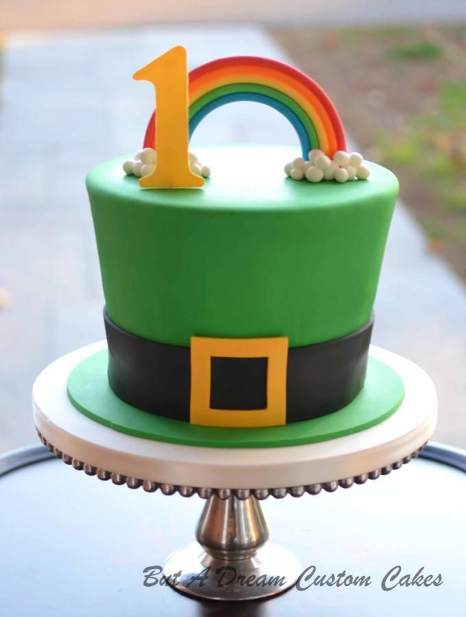 St Patricks Day cake Fresh lemon cake with lemon buttercream
